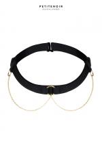 Collier Choker chaînes dorées : Collier Choker tour de cou, avec trois anneaux reliés à de fines chaînes dorées.