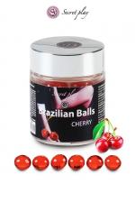 6 Brazillian balls - cerise : La chaleur du corps transforme la brazilian ball en liquide glissant au parfum de cerise, votre imagination s'en trouve exacerbée.