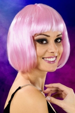 Perruque cheveux courts rose : Perruque fantaisie avec cheveux courts couleur rose, marque Cabaret Wigs.